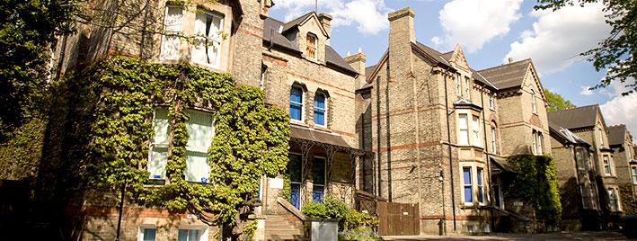 English school in Cambridge