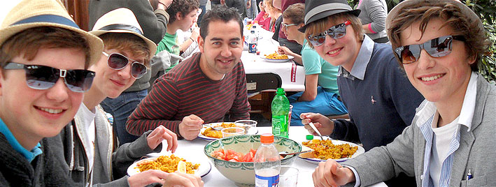 Practising Spanish over lunch in Granada
