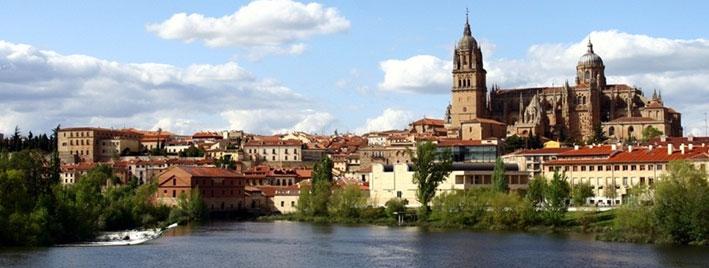 Cathedral Nueva de Salamanca and River Tormes